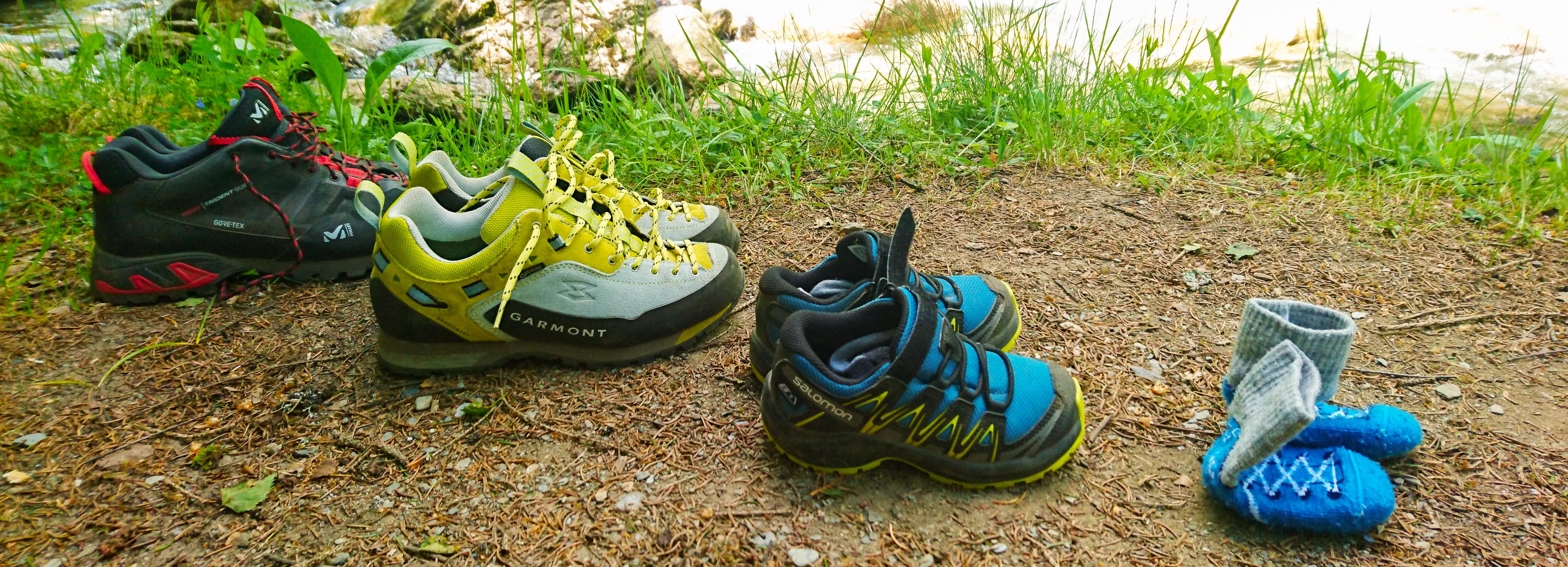 photo de couverture - chaussures de randonnée pour toute la famille