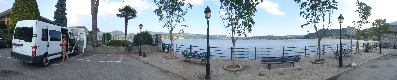 parking gratuit à Pella au bord du lac