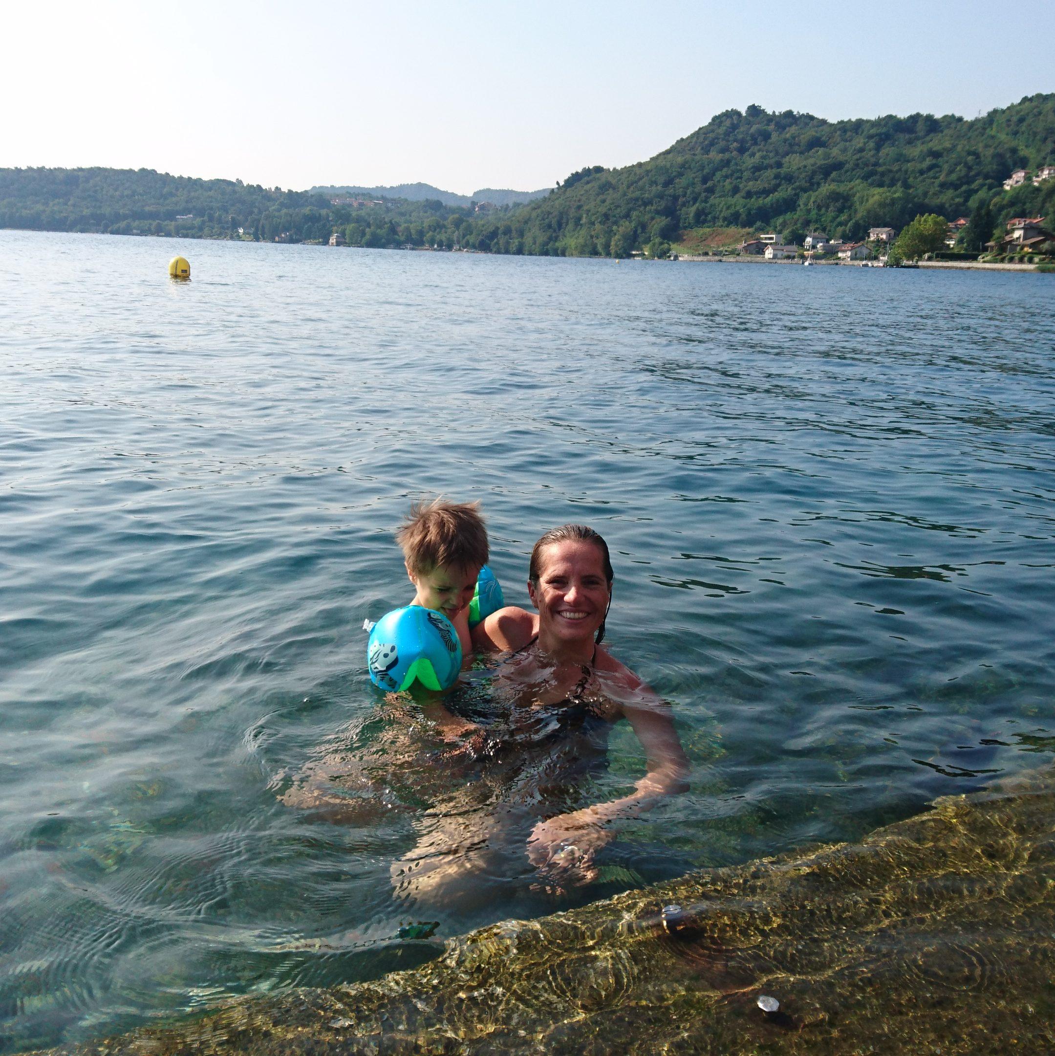 baignade dans le lac d'orta